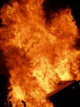FireFlameBurst.jpg.w560h747.jpg