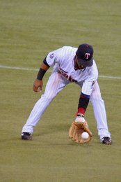 Thumbnail image for casilla_groundball.JPG